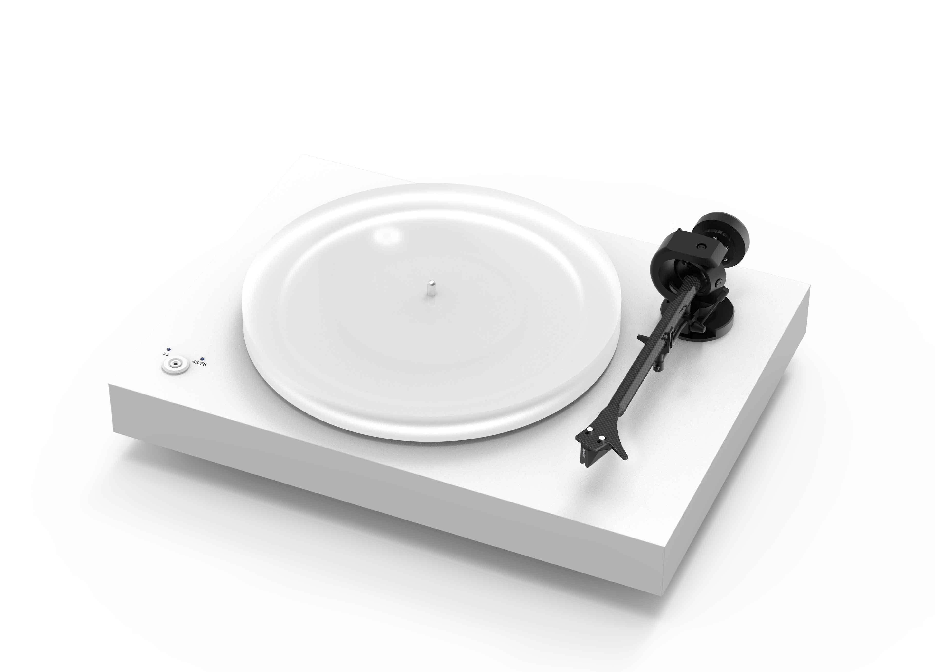 Pro-Ject X2 levysoitin Ortofon 2 M Silver äänirasialla